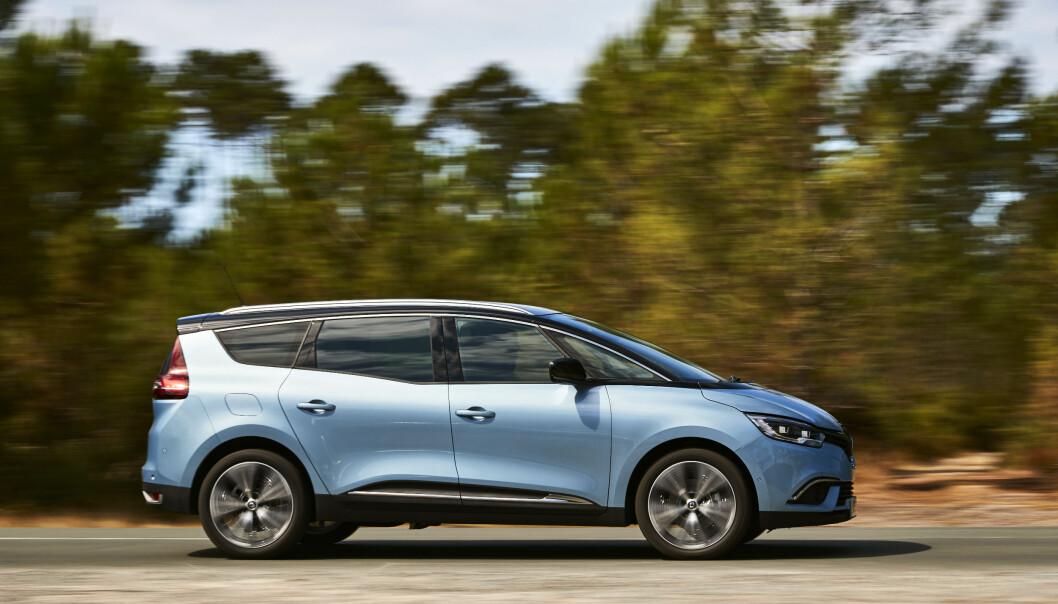 <strong>LINJELEKKER:</strong> Grand Scenic har mer særpreg enn lillebror Scenic, som ikke kommer til Norge. FOTO: Renault