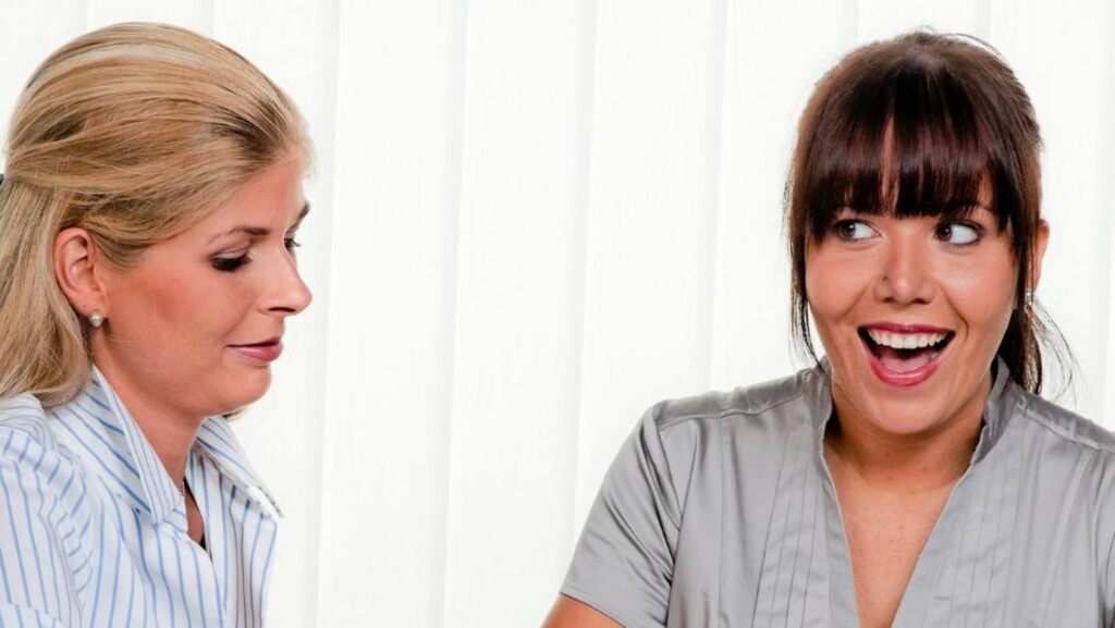 NYE VENNER: Er du god på small talk og mingling, er det lettere å bli kjent med nye, spennende mennesker. Illustrasjonsfoto: Colourbox