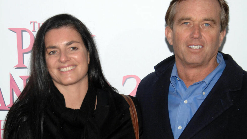 "TRAGEDIE: Robert F. Kennedy Jr. og kona Mary Richardson Kennedy avbildet i forbindelse med premieren på Harald Zwarts  ""The Pink Panther 2"" i New York. Foto: AP/Peter Kramer/NTB-Scanpix"