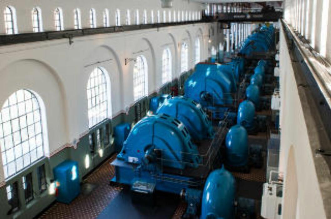 <strong>TURBINER:</strong> I Tysso I, kan du se de originale turbinene står på rekke og rad. Foto: ROGER BRENDHAGEN
