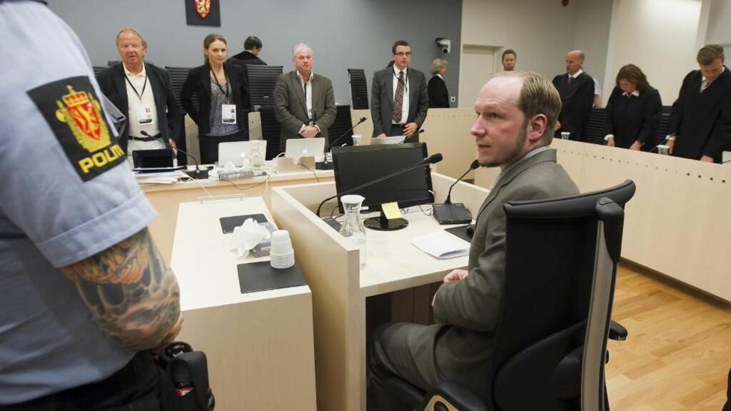 I VITNEBOKSEN IGJEN: Anders Behring Breivik forklarte seg i dag om hvorfor han misliker muslimer. Foto: Heiko Junge / NTB scanpix