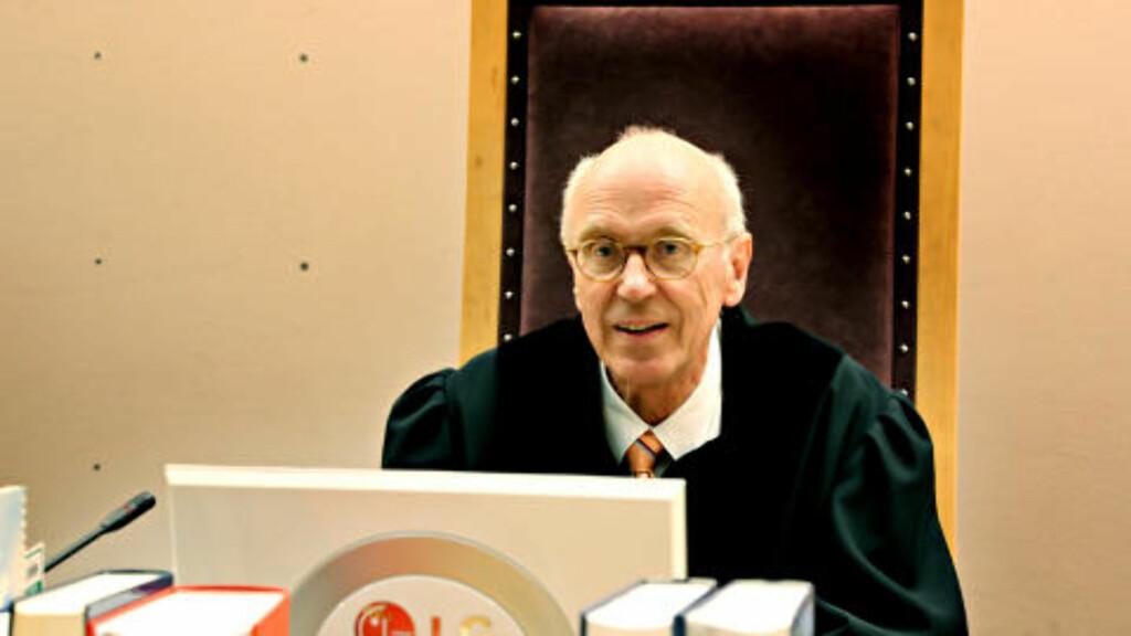 SKRØT AV VITNE:  - Dette var et klart vitne på 89 år, sa tingrettsdommer Oddvar Ege. FOTO: JACQUES HVISTENDAHL/DAGBLADET.