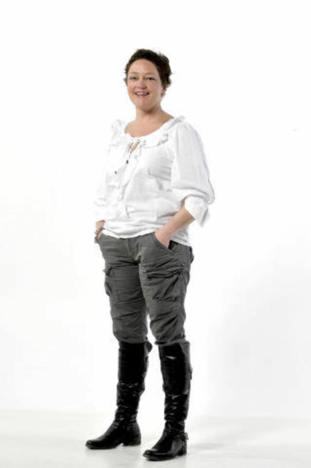 <strong>FORBRUKEREKSPERT:</strong> Elise Marie Korsvik er jurist og seniorrådgiver i Forbrukerrådet. Hun sitter både i flyklagenemnda og pakkereisenemnda, og svarer på spørsmål om forbrukerrettigheter om alt som har med flyreiser og charterturer å gjøre. Korsvik kan også svarer på timeshare- og ferieklubbspørsmål, og alle andre forbrukerrelaterte spørsmål man må ha om reiser i utlandet. Foto HANS ARNE VEDLOG