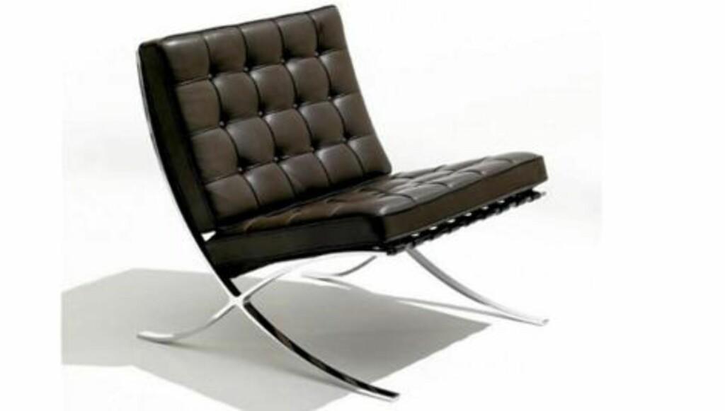 KLASSIKER: Du sitter nok godt i denne stolen. Mies van der Rohes originale design, produsert av Knoll. Foto: Produsenten