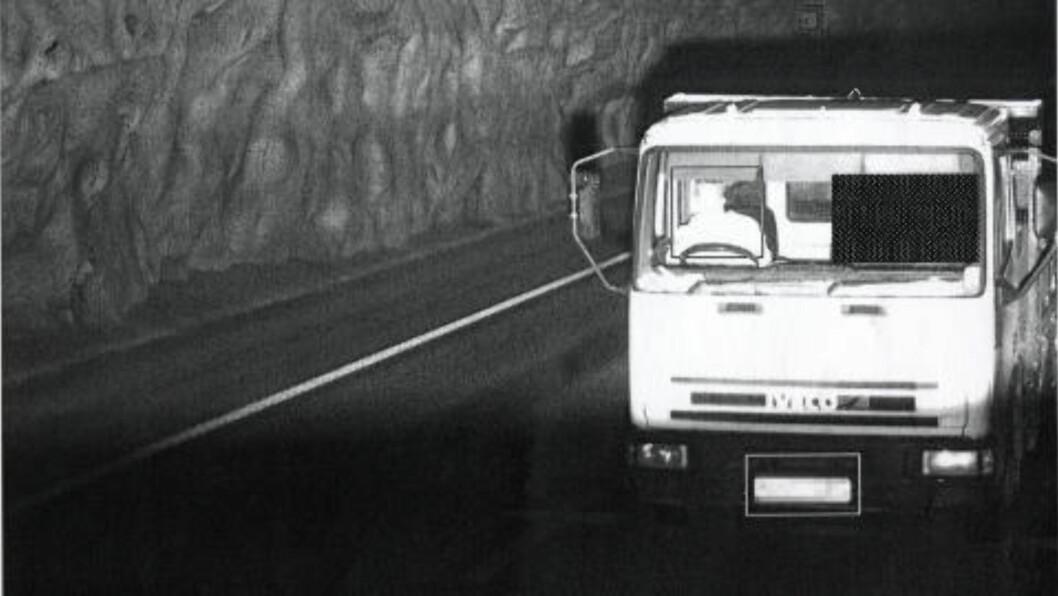 <strong>FRÅTSET:</strong> Ifølge Bergensavisen samlet asfaltmafiaen opp fartsbøter for 700 000,- under ett enkelt Norgesbesøk i 2007. Skatteetaten oppgir at banden la svart asfalt for minst 22,5 millioner. Foto: ATK