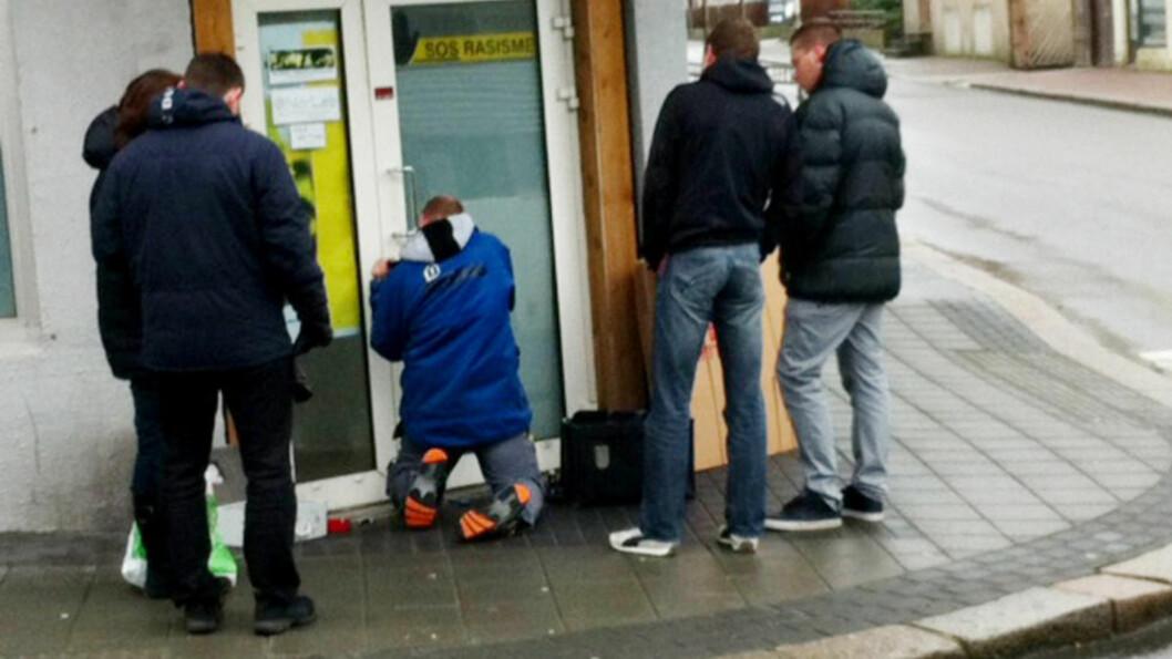 <strong>RAIDET I DAG:</strong> Her slår politiet til mot SOS Rasisme sitt hovedkontor i Haugesund. Foto: Jacques Hvistendahl / Dagbladet
