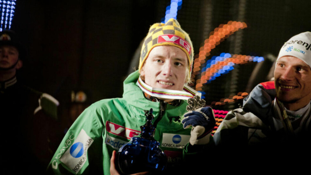 <strong>UVANT:</strong> Rune Velta smilte bredt da han fikk sølvmedaljen rundt halsen, men noe særlig tid til å feire er det ikke i kveld.Foto: Thomas Rasmus Skaug/Dagbladet