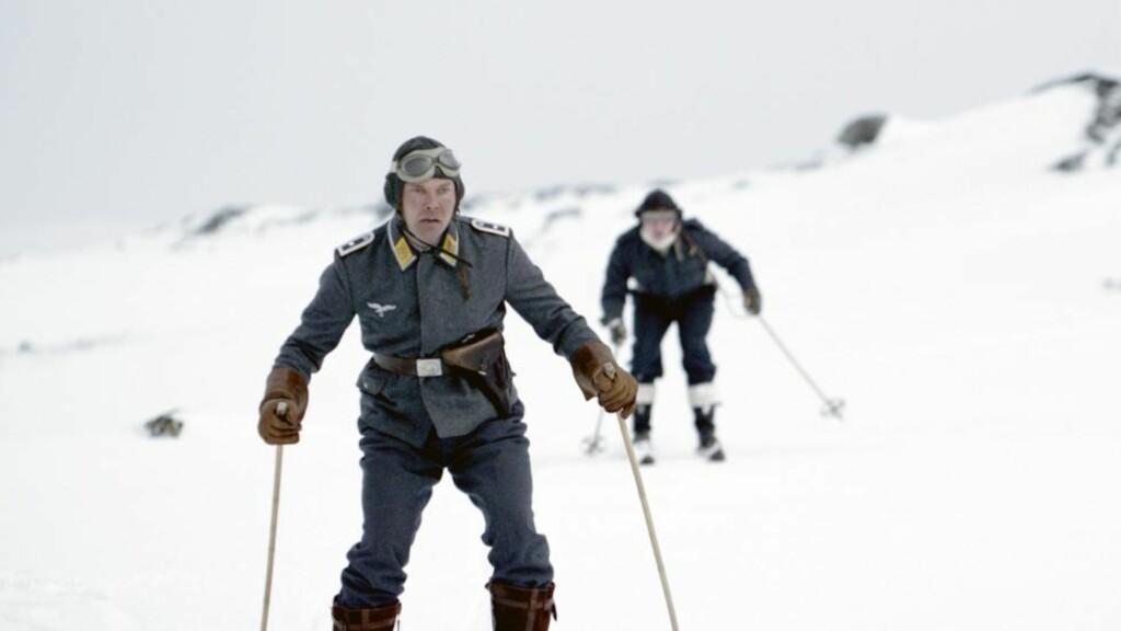 VENNSKAP TROSS ALT: Stig Henrik Hoff og Rupert Grint finner tonen på tross av at de står på motsatt side av krigen i «Into the White».