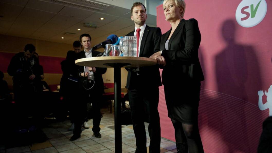 <strong>GA STØTTE:</strong> Avtroppende SV-leder Kristin Halvorsen ga sin fulle støtte til Audun Lybakken på en pressekonferanse samme dag som han gikk av som statsråd. Foto : Thomas Haugersveen / Dagbladet