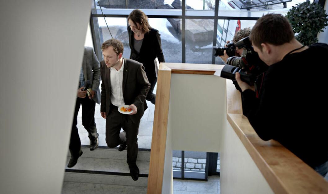 <strong>ENESTE KANDIDAT:</strong> Audun Lysbakken tviholder på sitt kandidatur, selv om motstanden mot ham har vokst i partiet den siste uka. Likevel går det mot at SV går til valg med bare ett navn på blokka, nemlig Lysbakkens. Selv sier Lysbakken at han føler på stor tillit i partiet. Foto: Lars Eivind Bones / Dagbladet