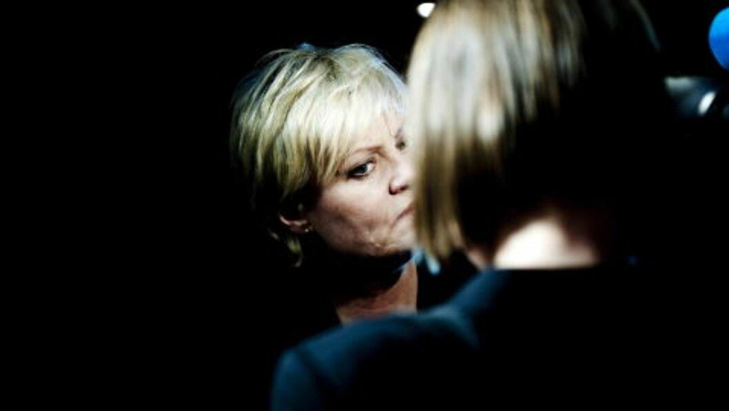 <strong> TØFF I FORSVAR:</strong>  Mandag gikk Kristin Halvorsen ut på en pressekonferanse og pekte på den nylig avgåtte statsråden som ny SV-leder. Foto : Thomas Haugersveen / Dagbladet