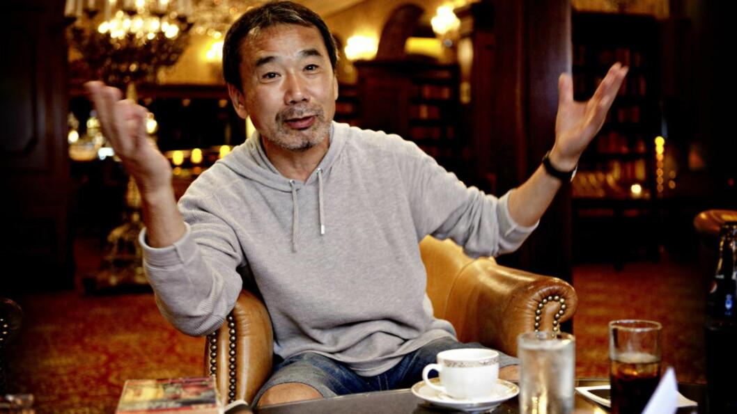 <strong>VÅSETE:</strong> Haruki Murakamis «IQ84» er nokså våsete, likevel klarer han å gjøre det til stor litteratur, skriver Cathrine Krøger. Foto: Lars Eivind Bones / Dagbladet