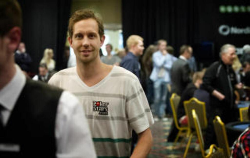 HÅNER NORTHUG: Morten Ramm var ikke overrasket over Petter Northugs tidlige exit fra poker-NM og spøkte med langrennsstjernas skuffende sesong i sporet.Foto: Øistein Norum Monsen / DAGBLADET