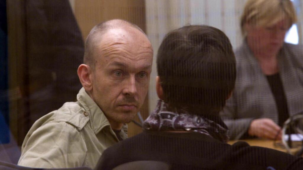 HYLLES: Peter Mangs, som er mistenkt for tre drap og 15 drapsforsøk i Malmö, hylles av Breivik i nye avhør. Foto: Expressen
