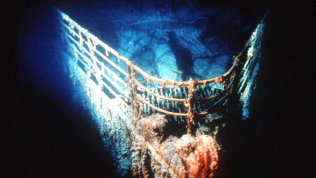 SPØKELSES-SKIP:  100 år etter at skipet som ikke kunne synke sank, ligger Titanic som et spøkelsesskip på havbunnen. Foto: (AP Photo/Ralph White)