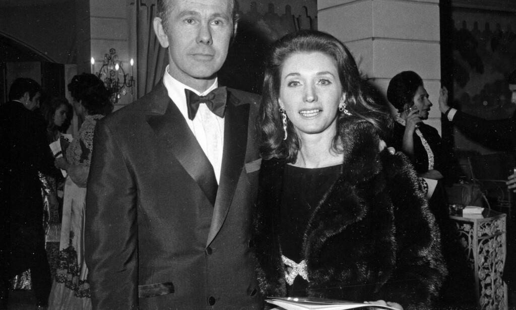 ASKENS FØRSTE EIER: Joanne Carson, ekskona til talkshowverten Johnny Carson, er kvinnen som i første omgang hadde asken til Capote. Foto: AP /NTB Scanpix