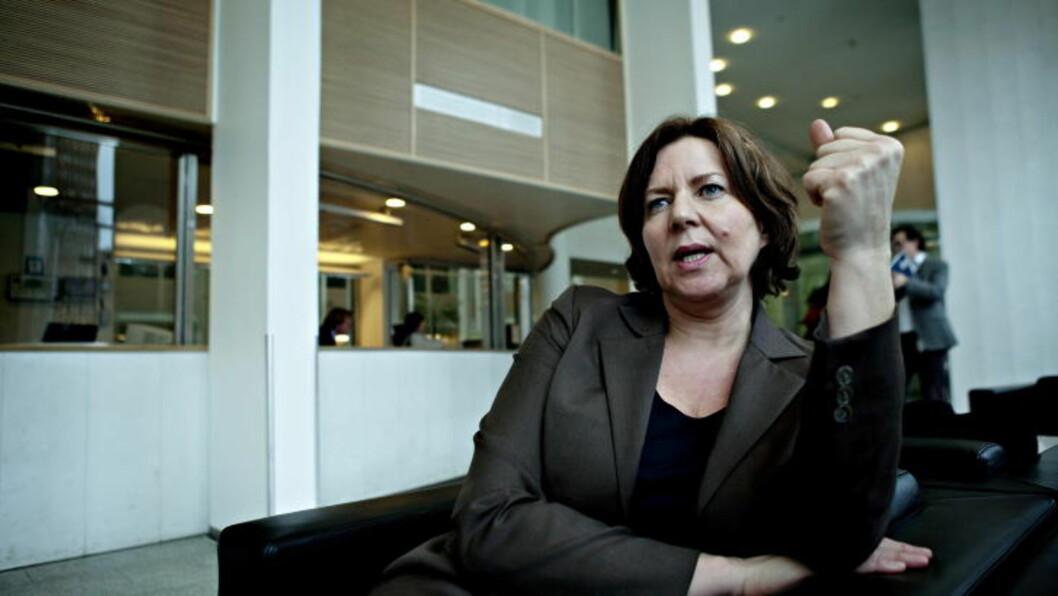 <strong>NEKTER Å BØYE AV:</strong> I dag sendte arbeidsminister Hanne Bjurstrøm (Ap) et brev til ESA hvor hun gjør det klart at Norge nekter å bøye seg for kravene. I stedet foreslår hun noen mindre endringer, slik at de kan beholde ordningen.  Til Dagbladet sier Bjurstrøm at «hvis ESA ikke blir enig med oss, er vi villige til å legge saken fram for EFTA-domstolen». Foto: NINA HANSEN/DAGBLADET
