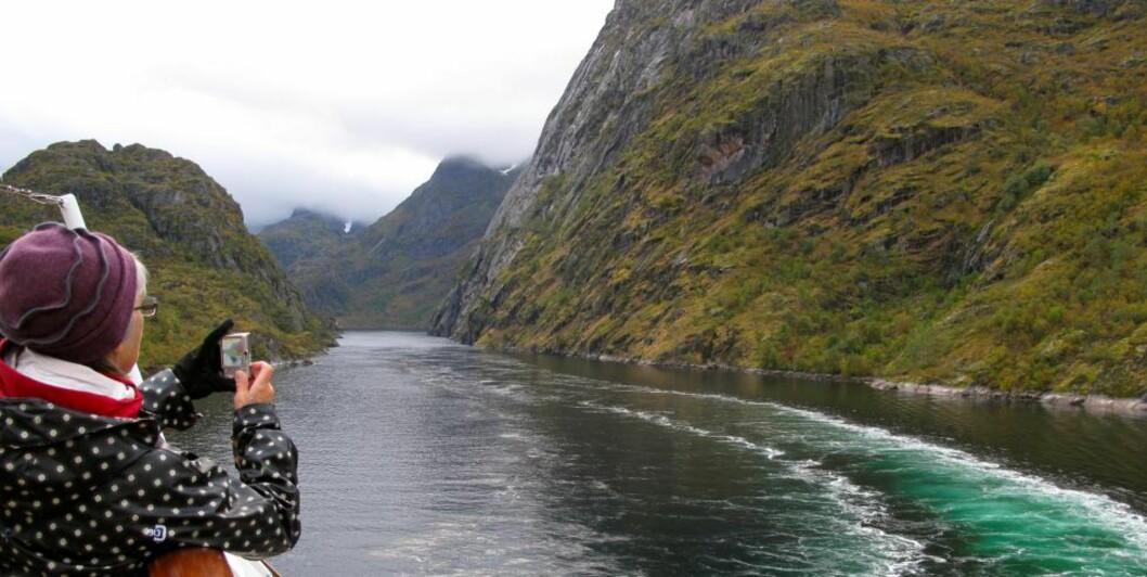<strong>LANG KYSTSTRIPE:</strong> Med Hurtigruta kan du seile langs det som er verdens nest lengste kyststripe, ifølge Statens Kartverk.