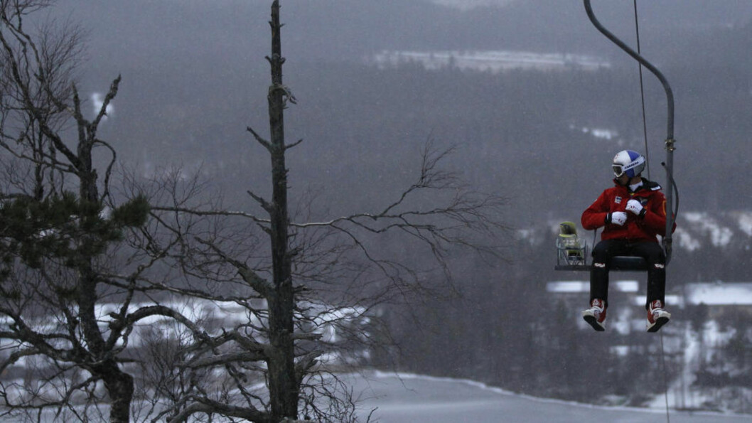 <strong>MÅ VENTE:</strong> Fjorårets verdenscupvinner Thomas Morgenstern og resten av hoppeliten må vente til i morgen med å komme i gang med vintersesongen for alvor.Foto: SCANPIX/REUTERS/Leonhard Foeger