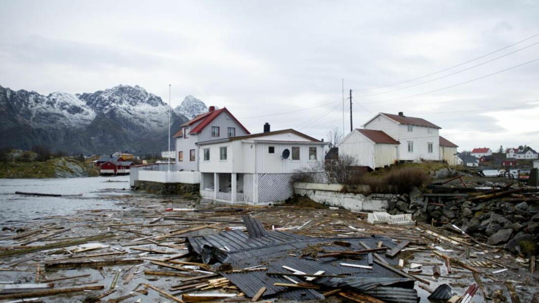 <strong>SLO UT DELER AV TELENETTET:</strong> «Berit» herjet i Lofoten, og Netcom-kunder langs hele kysten har i helga hatt problemer med telenettet. Foto: Ingun A. Mæhlum
