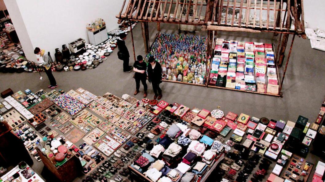 <strong>IKKE BARE AI:</strong> Kina har en rekke kunstnere i verdensklasse. Song Dong er kjent for store rominstallasjoner, som denne i Vancouver Art Gallery. I 2012 kommer han til Bergen Kunstmuseum, røper diektør Erlend Høyersten. Foto: Ma Dan/Xinhua Press