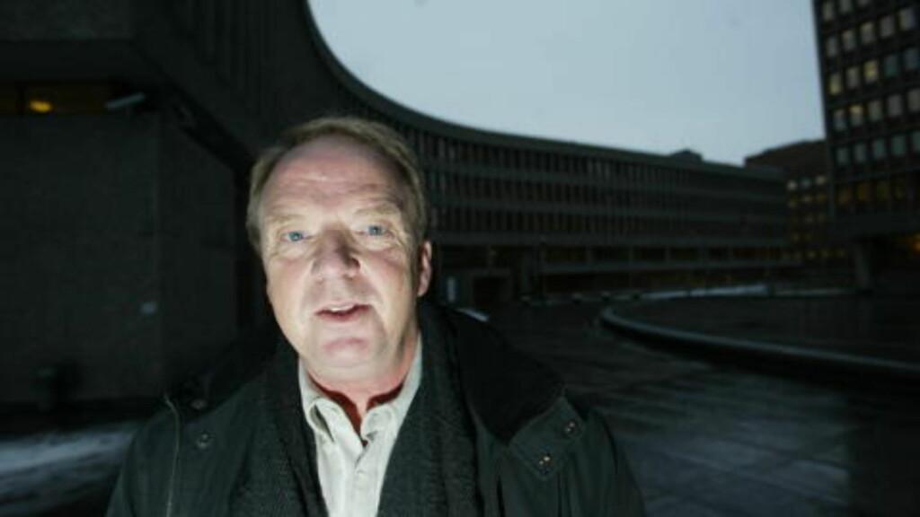 - GRANDIOSE VRANGFORESTILLINGER: Anders Behring Breivik mener det er sannsynlig, og med noe varierende anslag av sannsynlighet i prosent, at han kan bli ny regent i Norge etter statskupp og maktovertagelse. Om han blir ny regent, vil ha ta navnet Sigurd Korsfareren den II. Han mener han har gitt fem millioner kroner til kampen. Han mener han kan få ansvar for deportasjon av flere hundre tusener muslimer til havner i Nord-Afrika.  «Fenomenet vurderes som grandiose vrangforestillinger», skriver de sakkyndige Torgeir Husby (bildet) og Synne Sørheim.  Foto: HENNING LILLEGÅRD/DAGBLADET
