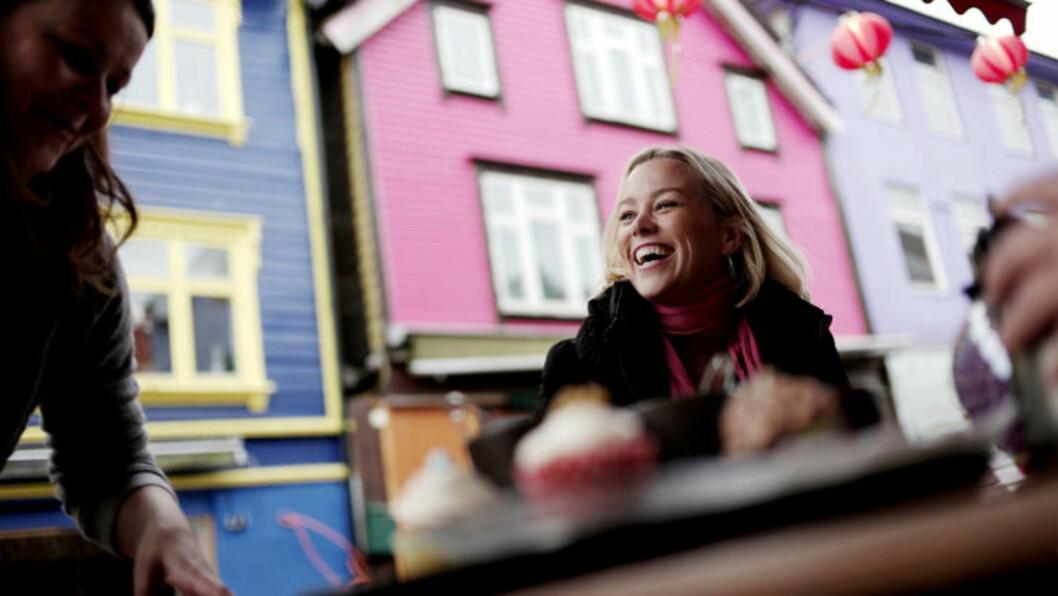 <strong>STAVANGER:</strong> Hanne Sørvaag favorittsted er Øvre Holmegate, Norges mest fargerike gate. Foto: TOMMY ELLINGSEN