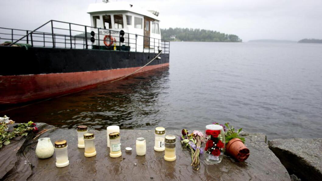 <strong>DREV REDNINGSARBEID:</strong> En rekke frivillige drev redningsarbeid ved Utøya 22. juli. 69 personer ble drept i massakren. Foto: Øistein Norum Monsen/Dagbladet