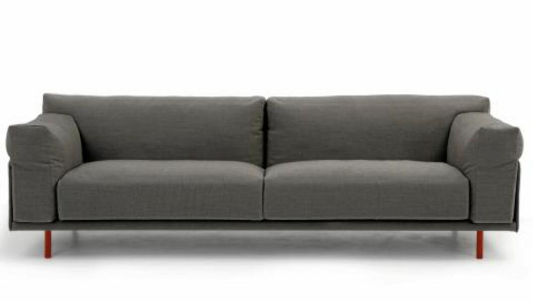 <strong>UFORMELL OG MYK SOFA:</strong> Den unge designeren Hallgeir Homstvedt  har tidligere signert L. K. Hjelles Duo-sofa, og her er han med den nye kosesofaen Ted. Pris fra kr 34.000  Produsenten