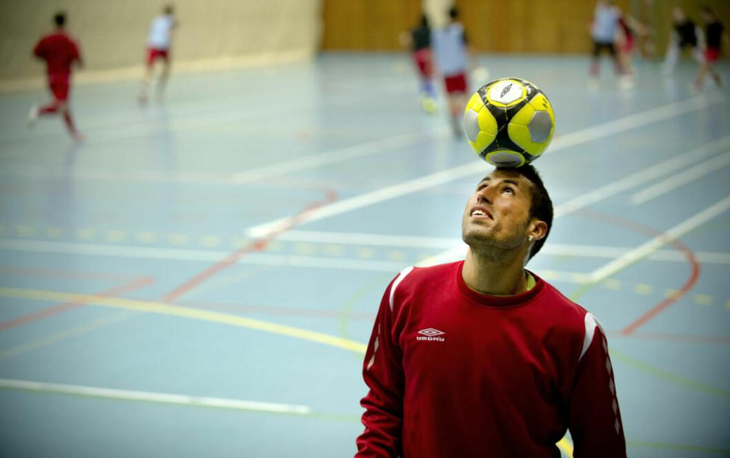 <strong>STORTAP:</strong> Abdurahim «Ibba» Lajaab og det norske futsallandslaget fikk det blytungt mot Spania i VM-kvalifiseringen. Det første baklengsmålet kom allerede etter 12 sekunder.Foto: Øistein Norum Monsen / DAGBLADET