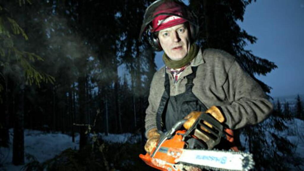 MANN OG MASKIN: Lars Mytting og hans favorittsag, en Husqvarna 353 G.