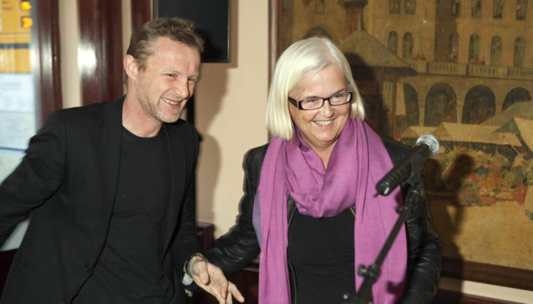 <strong>STORE GLIS:</strong> Helen Bjørnøy, generalsekretær Plan Norge er glad for å motta prisen på 500 000 kroner fra Jo Nesbø og Harry Hole-stiftelsen. Foto: Anders Grønneberg