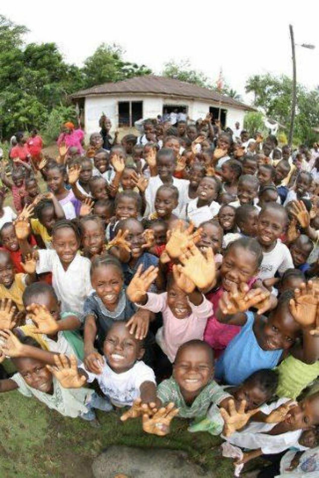 <strong>GLADE BARN:</strong>  Skolegang er ingen selvfølge i Liberia. Foto: Plan Norge