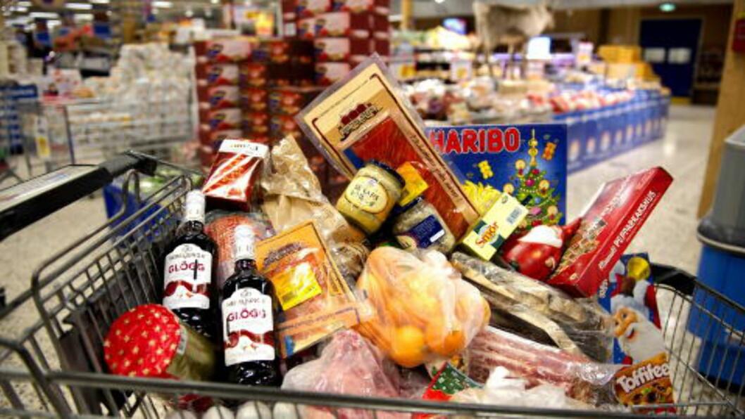 MATDILLA:  Dagligvarebutikkene øker omsetningen 20 prosent i desember. Foto: Øistein Norum Monsen / Dagbladet