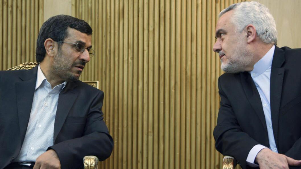 <strong>FRAMSATTE TRUSLER:</strong> President Mahmoud Ahmadinejad og visepresident Mohammed Reza Rahimi. Foto: AP/Vahid Salemi/Scanpix