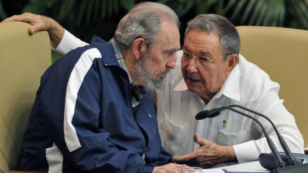 <strong>ARVTAKEREN:</strong> Fidel Castro har gitt fra seg makten til lillebror Raul. Foto: Adalberto Roque/AFP