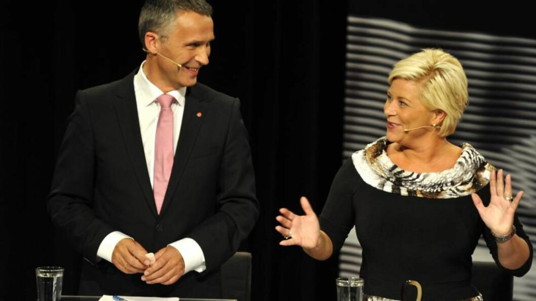 <strong>FIKK KJØRT SEG:</strong> Jens Stoltenberg fikk kjørt i partilederdebatten på Lillestrøm. Her sammen med Siv Jenvsen.