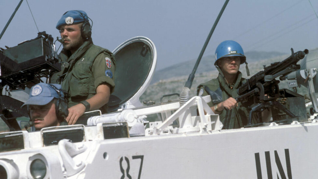 <strong>SOLDATER I LIBANON:</strong> Bildet viser norske FN-soldater som patruljerer i Libanon i april 1987.  Foto: Morten Hvaal/NTB/Scanpix