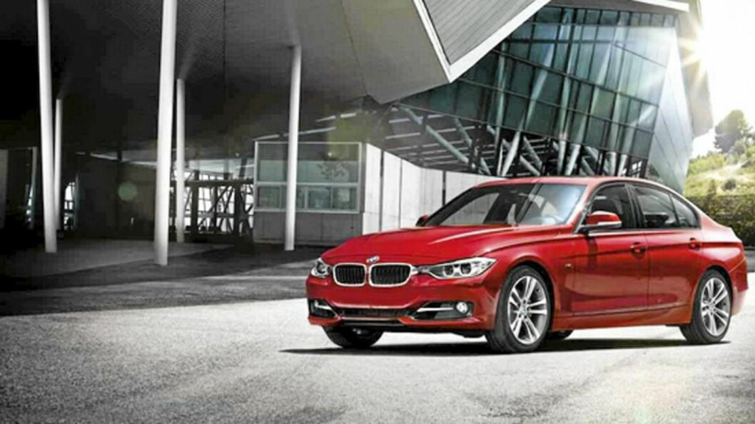 <strong>SLANK:</strong> Det er en slankere og mer elegant sedan-versjon av BMW som nå slippes løs på veiene. Foto: Produsenten