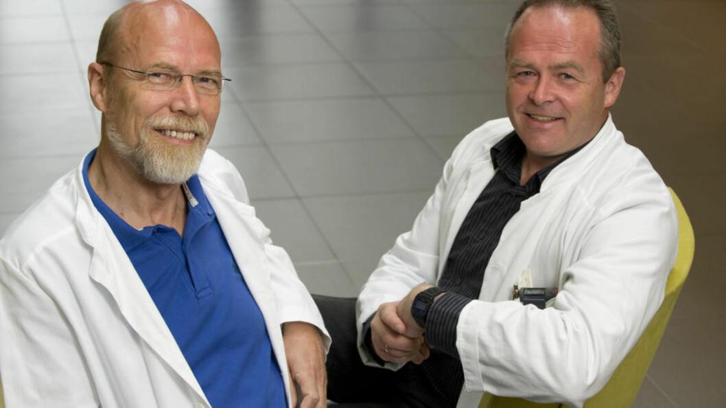 <strong>GIR HÅP:</strong> Avdelingsdirektør og professor Olav Mella og overlege dr.med. Øystein Fluge. Foto: Tor Erik H. Mathiesen.