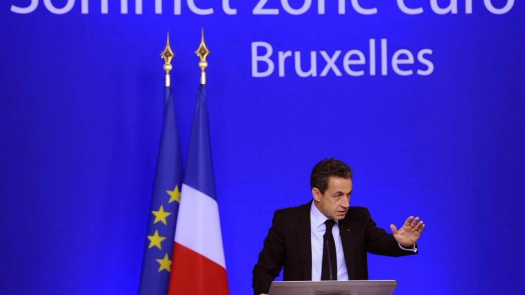 STOPP EN HAL: Frankrikes president Nicolas Sarkozy mener det var feil å slippe Hellas inn i eurosonen. Foto: EPA/BENOIT DOPAGNE/SCANPIX