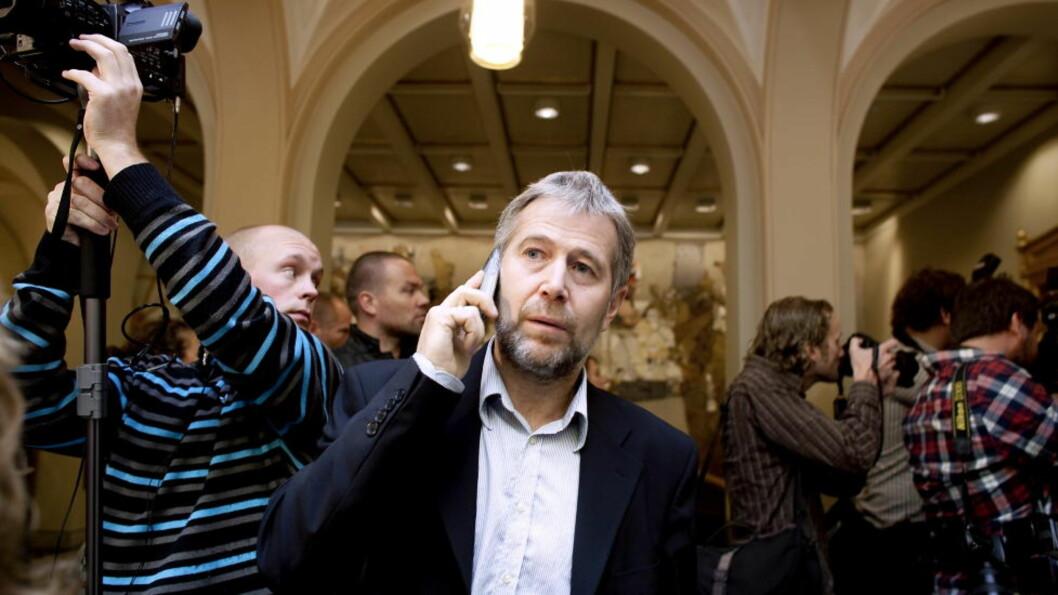 <strong>- HÅPLØST:</strong>  Rød Ungdoms leder Iver Aastebøl karakteriserer Arne Johannessens utspill om å låse inn kriminelle ID-løse asylsøkere som håpløst. Foto: Espen Røst / Dagbladet