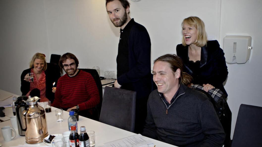 FORNØYDE: Bylarm-representantene klarte ikke å holde smilene tilbake da Anniken Huitfeldt fortalte at søknaden om et tilskudd på 400 000 kroner var innvilget. Foto: Lars Eivind Bones / Dagbladet