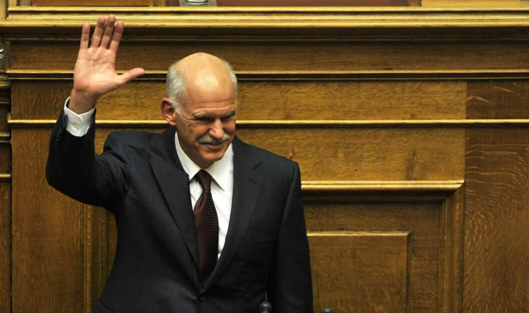 <strong>SKJEBNEDAG:</strong> - Vi trenger et nytt Hellas, sa Hellas' statsminister Giorgos Papandreou før de folkevalgte skulle gjennomføre en tillitsvotering som vil avgjøre han egen politiske framtid. Foto: AFP/LOUISA GOULIAMAKI/SCANPIX