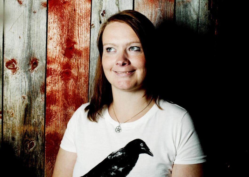 <strong>TAKKNEMLIG:</strong> Gunn Marit Nisja debuterte med boka «Naken i hijab» 25. august i år. Nå er hun takknemlig over å være blant de ti nominerte til Bokhandlerprisen 2011. Foto: Siv Johanne Seglem / Dagbladet