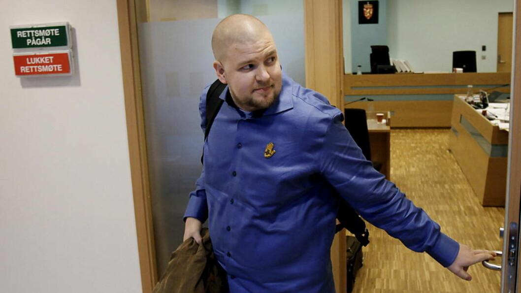 <strong>I RETTEN:</strong> Nestleder i SOS Rasisme Kenneth Fuglemsmo forlot retten etter vitneavhøret. Foto: ERLING HÆGELAND/Dagbladet
