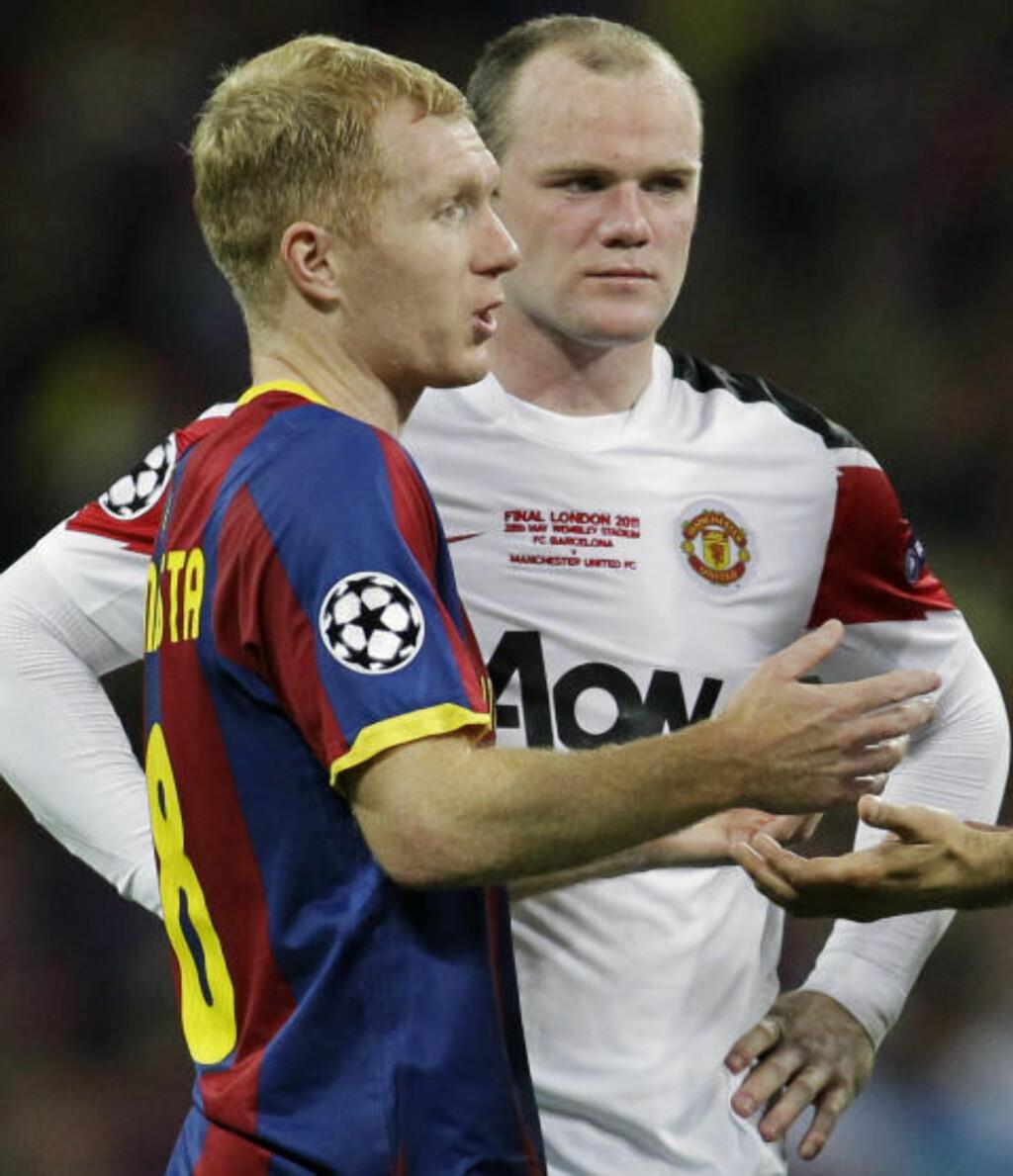 LYSÅR BAK BARCA: Paul Scholes erkjenner at United var sjanseløse mot Barcelona. Men han tror Wayne Rooney kan bli like viktig for United som Messi er for katalanerne, selv om spissen var respektløs da han krevde en overgang vekk fra Old Trafford forrige høst. Foto: AP/Sang Tan