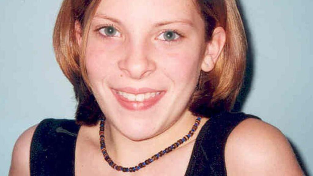 FORSVANT: Milly Dowler var bare 13 år gammel da hun forsvant i 2002. Hun ble seinere funnet drept. Nå beskyldes den britiske erketabloiden News of the World for å ha slettet meldinger fra telefonsvareren hennes i dagene etter at hun ble meldt savnet. Foto: AP Photo/Surrey Police.