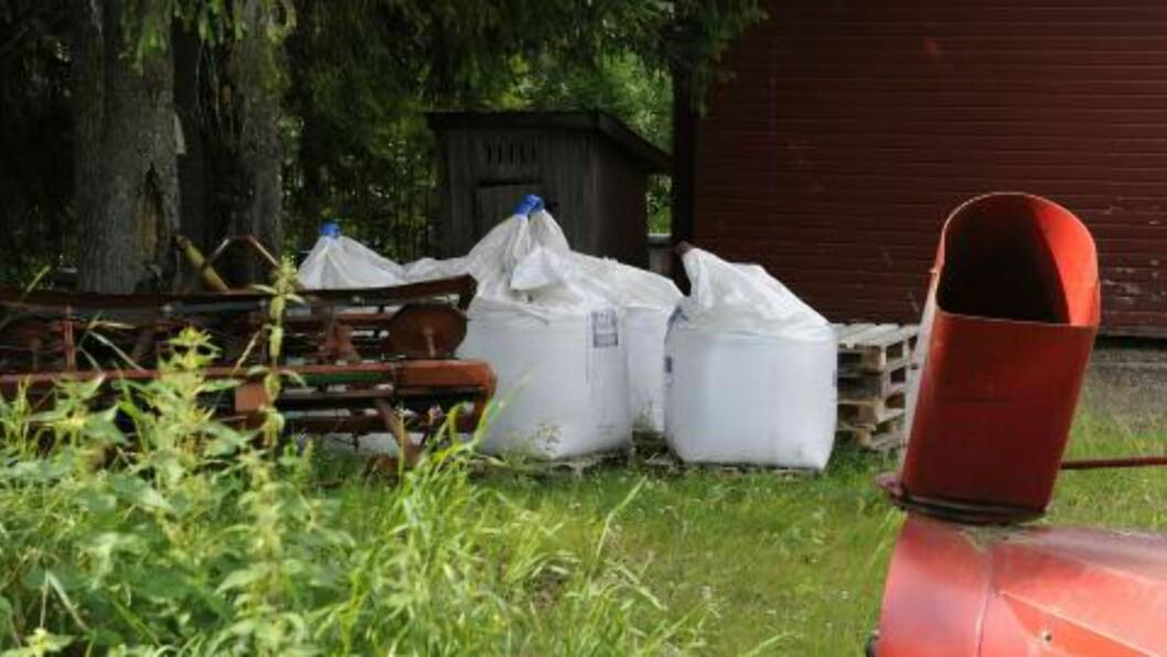 <strong>GJØDSEL:</strong> Naboene reagerte på at Breivik kjøpte inn store mengder kunstgjødsel. Foto: John T. Pedersen / Dagbladet