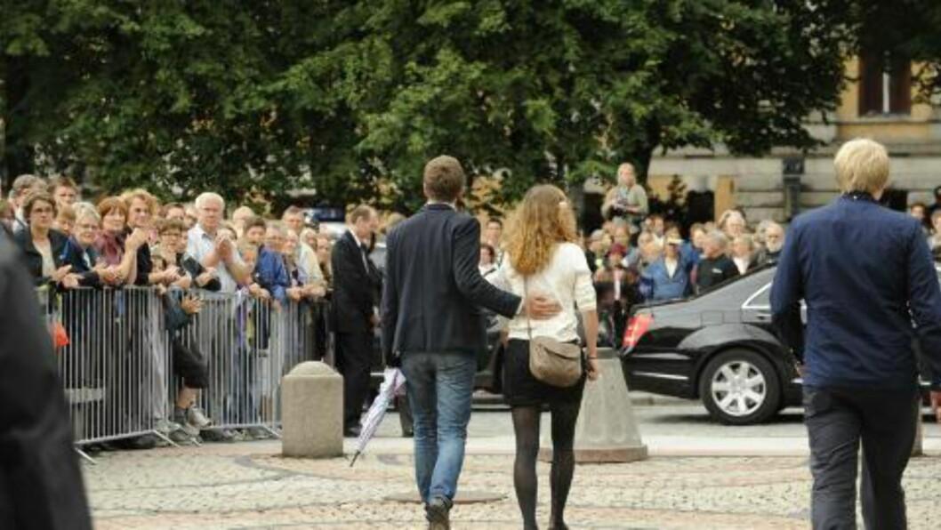 <strong>Sorg:</strong> Minnestund markering på universitetsplassen. Foto: John T. Pedersen / Dagbladet